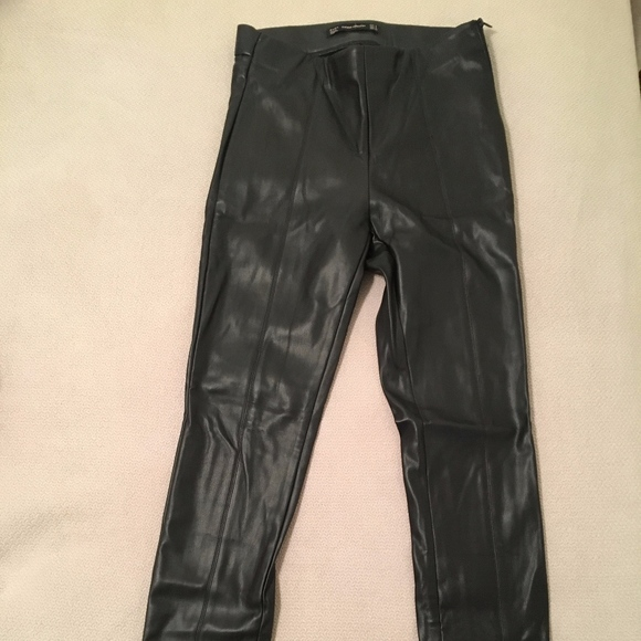 Zara Pants - Zara - Faux Leather Leggings/Skinny Pants - Black